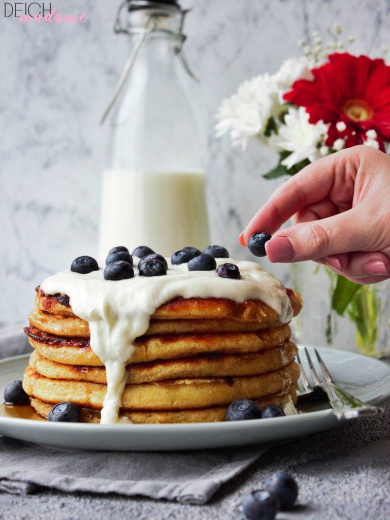 Joghurt-Blaubeer-Pancakes