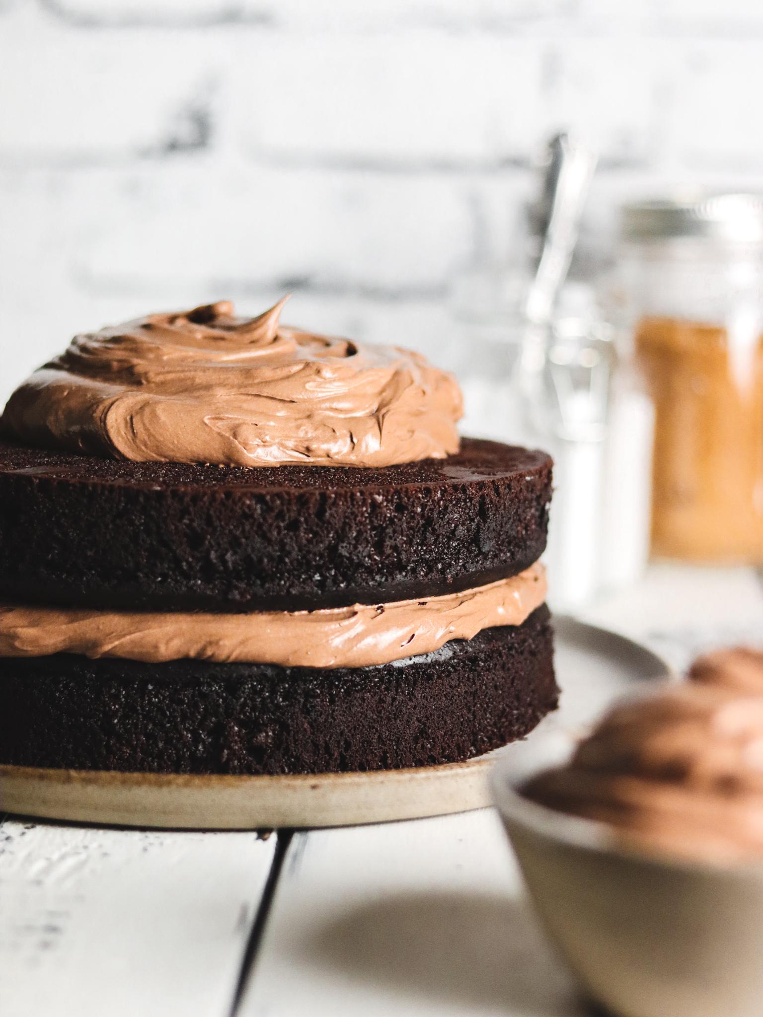 Saftiger Schokoladenkuchen - Schichten